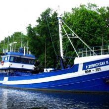 """Dovana: senas žvejybinis laivas """"Franek Zubrcycki II"""" Darlovo jūreivystės moksleiviams tarnauja nuo 1966 metų."""