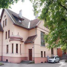 Praeitis: Konsultacinės poliklinikos senasis pastatas Herkaus Manto gatvėje – XX a. pradžioje pastatytas gydytojo gyvenamasis namas ir klinika.