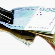 Spąstai: kol vyko tyrimas, per šimtą eurų už avalynę sumokėjusi pirkėja liko be batų ir pinigų.