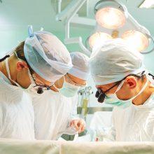 Pirmoji pasaulyje moteris pagimdė po gimdos transplantacijos
