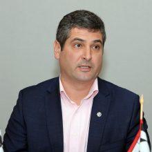 Pasižymėjo: Neringos meras D.Jasaitis socialiniuose tinkluose didžiuojasi STT įteikta padėka už aktyvų dalyvavimą antikorupciniuose renginiuose.