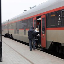 Traukinio keleiviai sekmadienį liko be bilietų