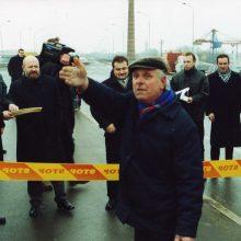Pastatė: Liepų ir Mokyklos gatvių viaduko atidarymo iškilmės neapsiėjo be gyventojų emocingų pasisakymų, objektas oficialiai atidarytas 2000-aisiais.