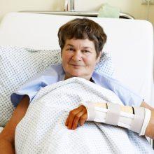Situacija: daug metų traumatologijos skyriaus operacinėje slaugytoja išdirbusi R.Kubilienė net neįtarė, kad pačiai teks atsidurti paciento vietoje.