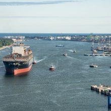 """Nuolaida: uosto rinkliavos didžiausiam į Klaipėdą plaukiančiam konteinervežiui """"MSC Topaz"""" sumažės daugiau nei per pusę."""