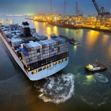 Vargas su dideliais laivais