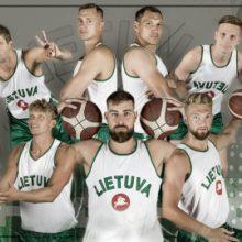 Rungtynėse su serbais lietuviai rungtyniaus retro aprangomis