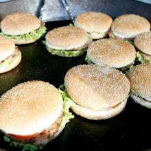 Per karantiną žmonės persivalgydavo, malšino alkį nesveiku maistu