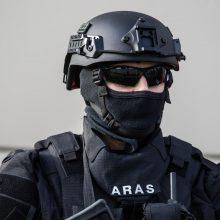 """Į muziejų Klaipėdoje lėkė išminuotojai – rastus sprogmenis išvežė """"Aras"""""""