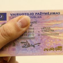 Seime – pataisos, ar vairuotojo pažymėjimas tinka tapatybei nustatyti