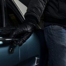 """Sostinės vagys nusitaikė į brangius automobilius – apvogti """"Porche"""" ir """"BMW"""""""