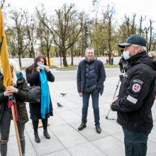 Kaune – ir vėl protestas prieš vaikų testavimą: tėvai laidojo laisvę ir demokratiją