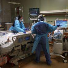 JAV per pastarąją parą užregistruota daugiau nei 800 mirčių nuo COVID-19