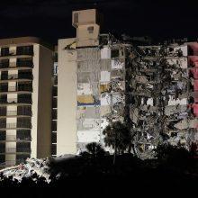 Floridoje sugriuvo dalis daugiabučio: vyksta didelė gelbėjimo operacija