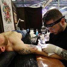 Kauną užplūdo tatuiruočių meistrai