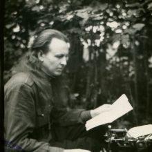 A. Kraujalio-Siaubūno sesuo: jis gyveno okupuotoje Lietuvoje, bet buvo laisvas