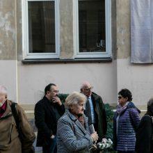 Sostinėje atidengta atminimo lenta signatarui R. Ozolui