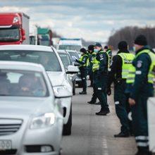 Kaunas vėl apsuptas pareigūnų: mobilūs postai veiks ir naktį