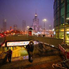 Lenkijai grumiantis su pandemija, šalyje sparčiai mažėja gyventojų