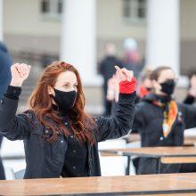 Prie Prezidentūros ir internete – akcija už moterų teises