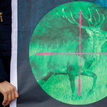 Seime vėl registruotas siūlymas dėl naktinių taikiklių medžioklėje