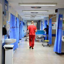 Panevėžyje į ligoninę pristatytas nepilnametis: galimai susižalojo sprogus petardai