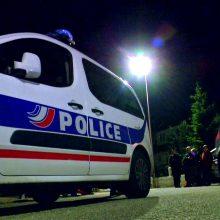 Prancūzijoje vyras trijų savo vaikų akivaizdoje nužudė jų motiną