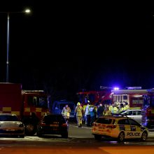 """Mįslė: sudužusiame sraigtasparnyje – futbolo klubo """"Leicester City"""" savininkas?"""
