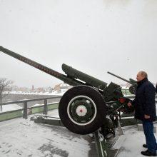 Rusijai švenčiant stačiatikių Kalėdas V. Putinas iššovė iš pabūklo