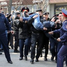 Kazachstane per protestus sulaikyti per 20 žmonių