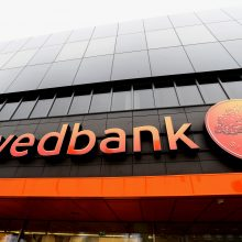 """Sukčiai atakuoja """"Swedbank"""" klientus"""