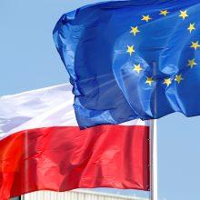 ES didina spaudimą Lenkijai dėl kontroversiškos teismų reformos