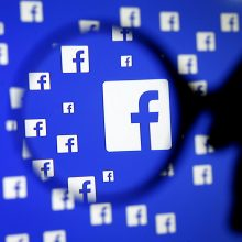 """Artėjant rinkimams į EP """"Facebook"""" uždarė dešimtis išgalvotų naujienų puslapių"""