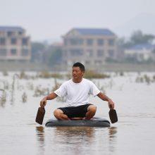 Kinijoje potvyniai per du mėnesius nusinešė daugiau nei 200 gyvybių