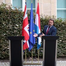 B. Johnsonas praleido spaudos konferenciją su kolega iš Liuksemburgo