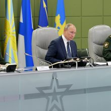 V. Putinas per branduolinių pajėgų pratybas stebėjo raketų bandymus