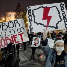 EP: abortų draudimas Lenkijoje kelia grėsmę moterims