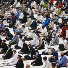 Musulmonai pradeda koronaviruso aptemdytą Ramadaną
