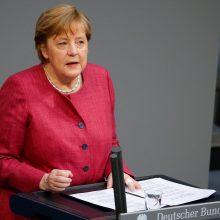 "A. Merkel paskiepyta ""AstraZeneca"" vakcina nuo koronaviruso"
