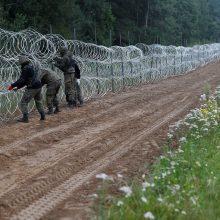 Minskas: per du mėnesius Lietuva ir Lenkija bandė išstumti per 8,5 tūkst. migrantų