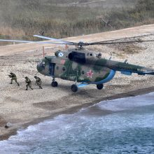 Rusija pradėjo dideles karines pratybas dalyvaujant Indijai ir Kinijai