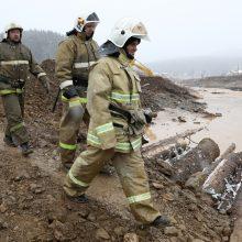 Rusijoje griuvus užtvankai aukso kasykloje žuvo 15 žmonių
