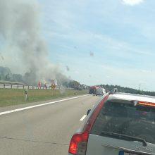 Tragiška avarija Širvintų rajone: užsidegus sunkvežimiui žuvo jo vairuotojas
