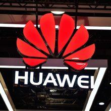 """""""Huawei"""" atstovas Lietuvoje atmeta priekaištus dėl kibernetinio saugumo spragų"""