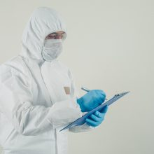 JAV užsikrėtusiųjų koronavirusu skaičius viršijo 13 mln.
