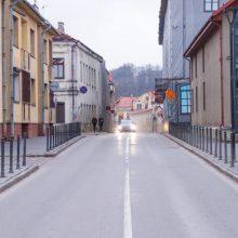 Kauniečiai: vienoje Senamiesčio gatvėje vairuotojai lekia kaip autostradoje