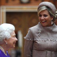 Elizabeth II priima Nyderlandų karalių ir karalienę