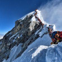 Ant Everesto susidarė alpinistų eilė, žuvo dar du žmonės