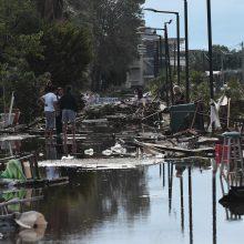 Graikiją užklupo tornadai ir galingos audros – žuvo septyni turistai