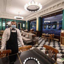 Viešbučių ir restoranų asociacija: Vyriausybė neįsiklausė į prašymą dėl darbo laiko